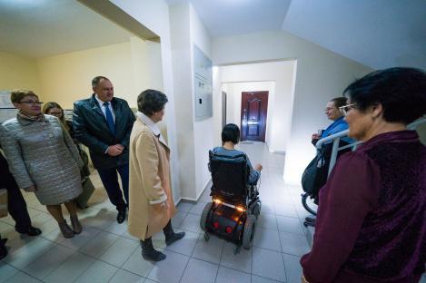 Опыт Ханты-Мансийска по оборудованию квартир для людей с ОВЗ будут тиражировать в Югре